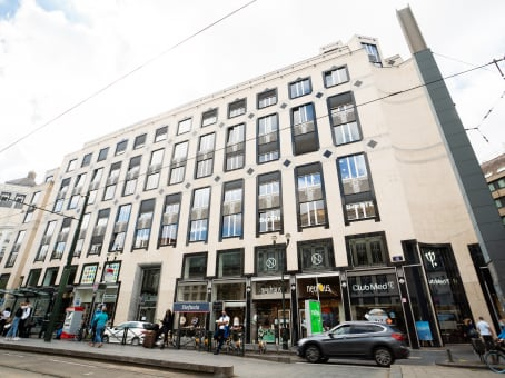 Building at Avenue Louise 65/11 in Brussels 1