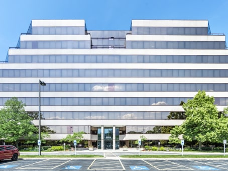 Building at 5600 North River Road, Suite 800 in Rosemont 1
