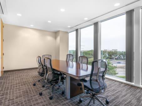Building at 15950 North Dallas Parkway, Far North Dallas, Suite 400 in Dallas 1