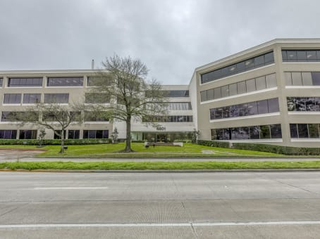 Building at 4801 Woodway Drive, Suite 300 East in Houston 1