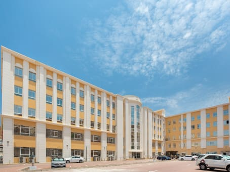 Building at Al Nahdah Road, All Wattayah, 2nd Floor, Tamimah Building in Muscat 1