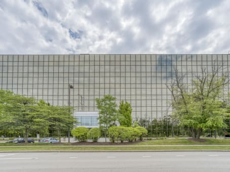 Building at 5250 Old Orchard Road, Suite 300 in Skokie 1