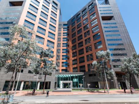 Lokalizacja budynku: ulica Carrera 7 No. 71 – 21, Torre B, Pisos 13 y 15, Bogota 1