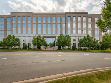 Building at 10130 Perimeter Parkway, Wedgewood, Suite 200 in Charlotte 1