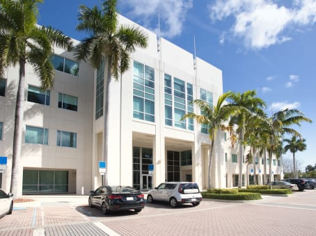Building at 6750 North Andrews Avenue, Cypress Park West, Suite 200 in Fort Lauderdale 1