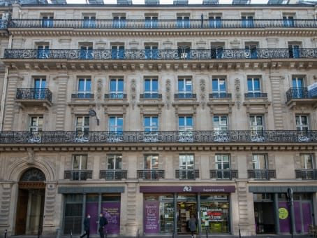 Building at 9, rue du Quatre Septembre in Paris 1