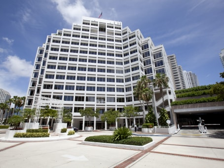Building at 601 Brickell Key Drive, Brickell Key, Suite 700 in Miami 1