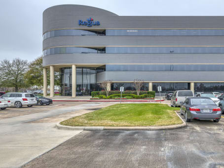Building at 8300 FM 1960 West, Suite 450 in Houston 1