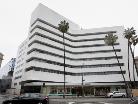 Building at 9465 Wilshire Boulevard, Suite 300 in Beverly Hills 1