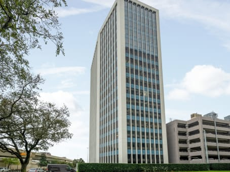 Building at 2100 West Loop South, Suite 900 in Houston 1