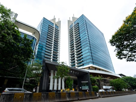 Gebäude in 1102, Senapati Bapat Rd, 11th Floor, Tower B, Peninsula Business Park, Lower Parel in Mumbai 1