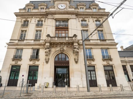 Building at Rue Charles Domercq, Gare de Bordeaux Saint Jean, Pavillon Nord, CS 21912 in Bordeaux 1