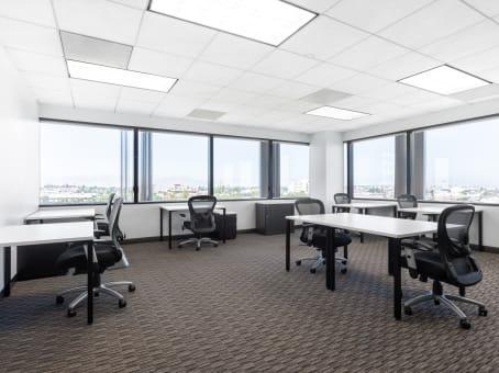 Building at 400 Continental Blvd, 6th Floor in El Segundo 1