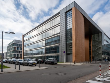 Building at Regus Kirchberg City Centre, 2nd floor, 26-28 Rue Edward Steichen in Luxembourg 1