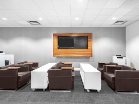 Meeting rooms at Leigh Delamere, Leigh Delamere Services - Regus Express