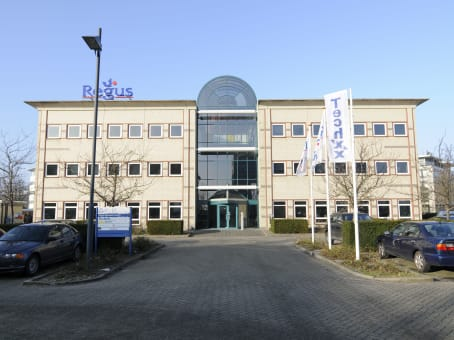 Building at Transpolispark, Siriusdreef 17-27 in Hoofddorp 1