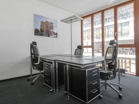 Building at Konigstrasse 26, 6th Floor in Stuttgart 1