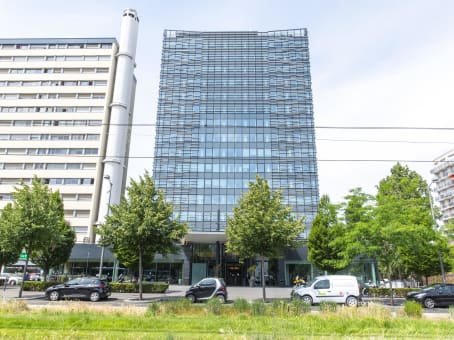 Building at Immeuble Nova, 4th and 5th floor, 71, boulevard National in La Garenne Colombes 1