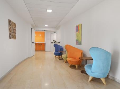 Building at Via Roberto Lepetit 8/10 in Milan 1