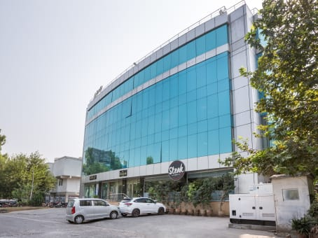 Building at Emirates Tower, 2nd & 3rd Floor, M-13, F-7, Markaz in Islamabad 1