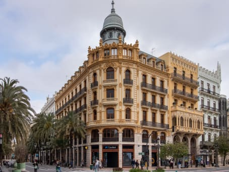 Building at Calle Las Barcas 2, Planta 2 in Valencia 1