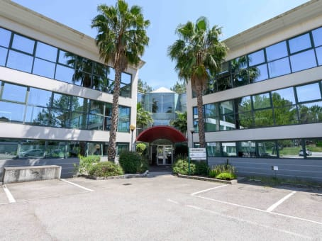 Building at 45 Allée des Ormes, E. Space Park, Bâtiment D in Mougins 1