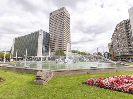 Lokalizacja budynku: ulica Hofplein 20, Rotterdam 1