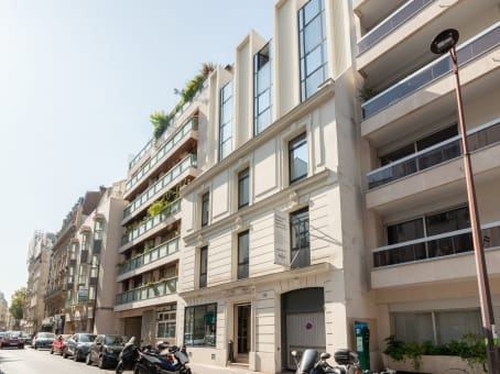 Building at 115 rue Cardinet, Cedex 17 in Paris 1