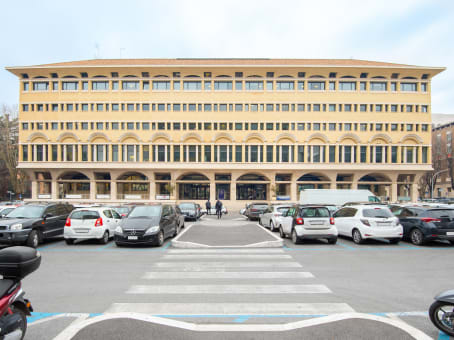 Building at Piazza Don Luigi Sturzo 15, Piano 3 in Rome 1