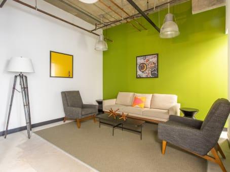 Building at 2875 NE 191 Street, Suite 500 in Aventura 1