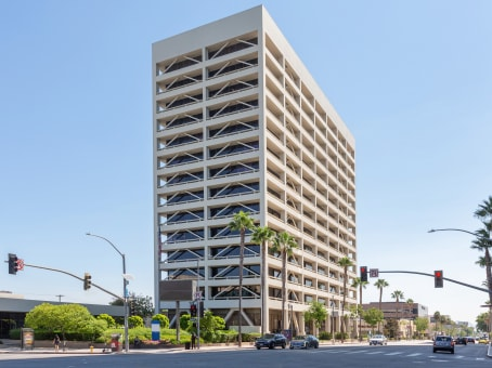Building at 15233 Ventura Blvd., Suite 500 in Sherman Oaks 1