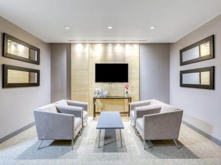 Building at 3660 Midland Avenue, Suite 300 in Toronto 1