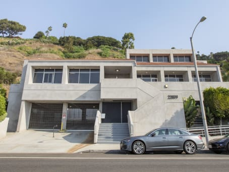 建筑位于Malibu22809 Pacific Coast Highway 1