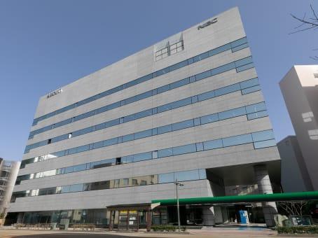 建筑位于Kanazawa1-2-1 Hikosomachi, Assorti Kanazawa Hikosomachi 1F and 3F 1