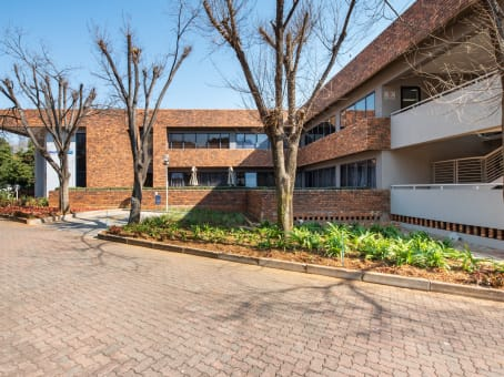 Building at AMR Office Park, 3 Concorde road, Bedfordview in Johannesburg 1