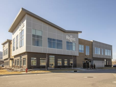 Building at 13894 South Bangerter Parkway, Suite 200 in Draper 1