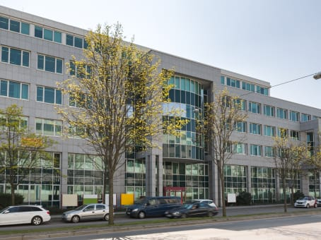 Building at Steiermaerker Straße 3-5, 1st and 5th floor in Stuttgart 1