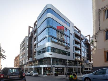 Gebäude in Dragonara Business Centre, 5th Floor, Dragonara Road in St Julian's 1