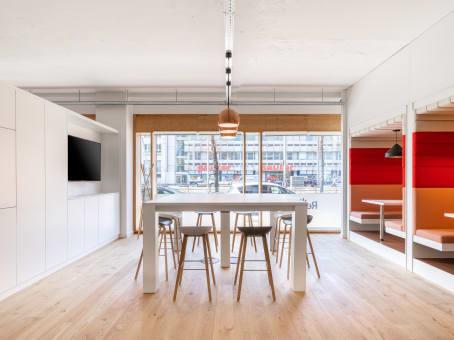 Building at Sonnenstrasse 31, ground floor + 3rd floor + 5th floor in Munich 1
