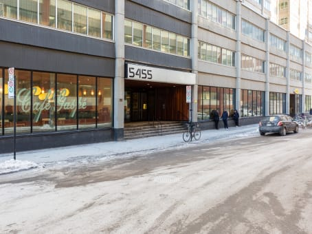 Building at 5455 De Gaspe Ave, Suite 710 in Montreal 1