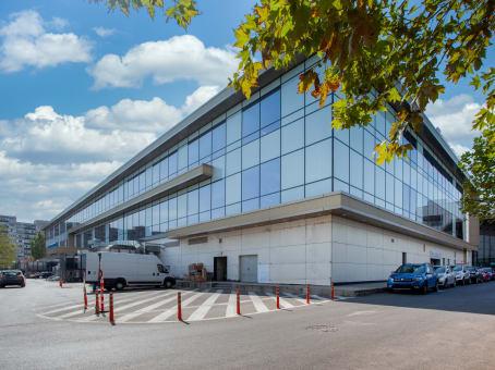 Gebäude in 26, Timisoara Boulevard, 6th District in Bucharest 1