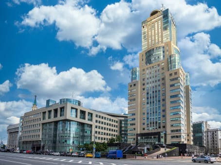 Building at 34 Mashy Poryvaevoy Street, 5th Floor in Moscow 1