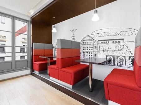 Building at 81 rue de France, 3rd floor in NIce 1