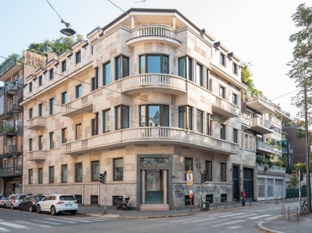 Building at Via Nino Bixio 31 in Milan 1