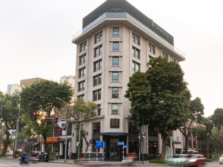 Building at 28A Tran Hung Dao street, Hoan Kiem district in Hanoi 1