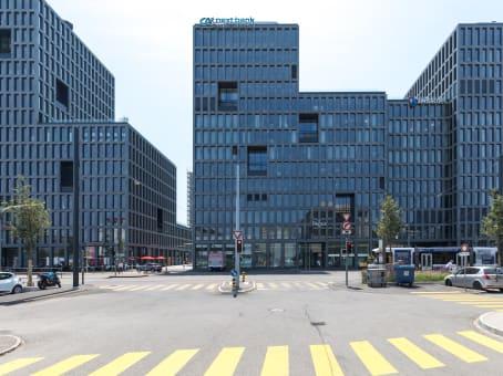 Gebäude in Esplanade de Pont-Rouge 4 in Genf-Carouge 1