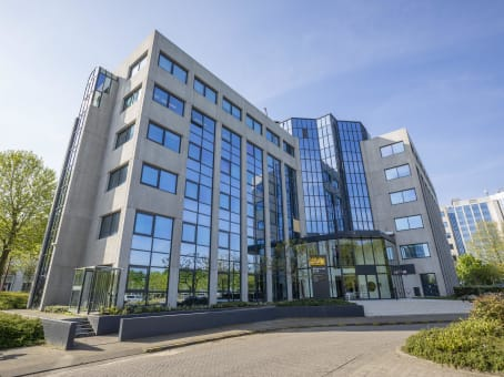 Building at Nevelgaarde 8 in Nieuwegein 1