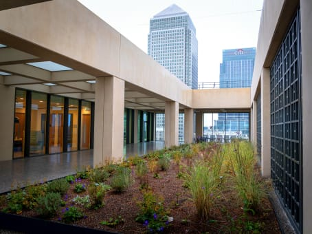 Établissement situé à 25 Cabot Square à London 1