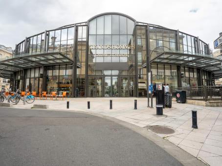 Building at Centre Les Grands Hommes, Place des Grands Hommes in Bordeaux 1