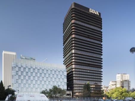 Building at Paseo de la Castellana, 81 in Madrid 1